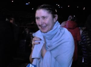 На Крещение в Анапе более 200 человек окунулись в море на Высоком берегу