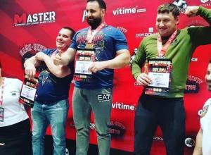 Первое место за 672 килограмма: анапчанин стал чемпионом Европы по пауэрлифтингу