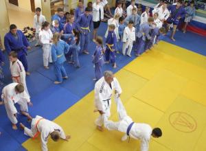 Мастер спорта международного класса поделился опытом с анапскими дзюдоистами