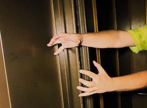 В анапском лифте завелась нечистая сила