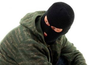 Подросток из Анапы ограбил продуктовый магазин с помощью пилы