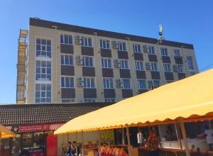 Город «наводит красоту»: в Анапе ремонтируют здания старой гостиницы и бывшей прачечной