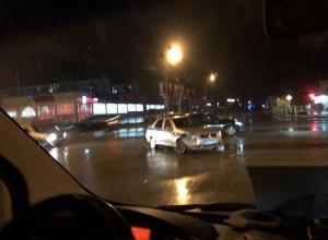 В Анапе полицейская машина столкнулась с «Тойотой»