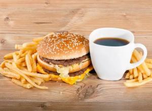 Запивая жирную пищу кофе, анапчане могут нанести вред своему здоровью