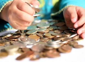 Детям, чьи родители скрываются от уплаты алиментов, будут выплачивать пенсии по потере кормильца