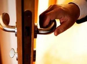 Успейте купить дверь по цене 5200 рублей в Анапе
