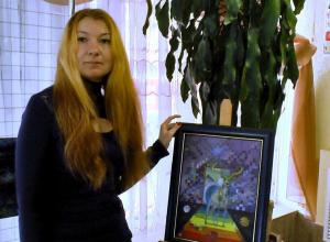 Анапчане были в восторге: в Гортеатре прошла выставка картин Татьяны Кравченко