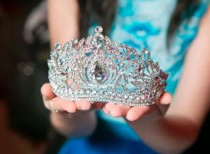 Сегодня в Анапе выбирают самую красивую женщину: фото претенденток