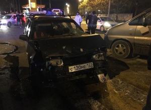 В результате ужасного ДТП в Анапе водителя «девятки» увезли в больницу с поломанными ребрами