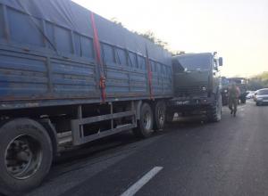 На трассе «Новороссийск — Анапа»  столкнулись военные «КАМАЗы»