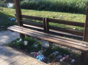 «Приедут, нагадят, уедут» - на берегу Анапки разбросали кучи мусора