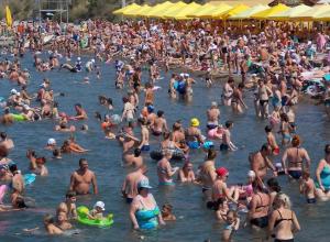 Анапчанам придется потесниться: курорт примет ещё около 2 миллионов туристов