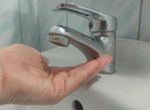 Вода пока появилась не во всех домах Анапы