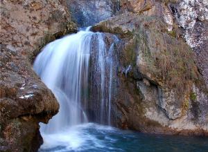 Интересный факт: в посёлке Утриш под Анапой находится пятиметровый водопад с пресной водой