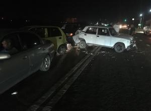 Массовая авария в Анапе: 4 машины в куче, пятая отброшена