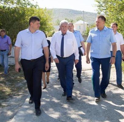 Зачем в Анапу приезжали прокурор края, два вице-губернатора и глава Роспотребнадзора