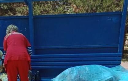 В Анапе на Пионерском проспекте женщина умерла на остановке