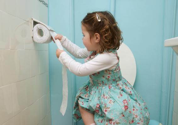 В Анапе отдыхающая возмутилась тем, что её дочку бесплатно не пустили в туалет