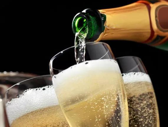 Перед Новым годом анапские магазины проверят на наличие контрафактного алкоголя