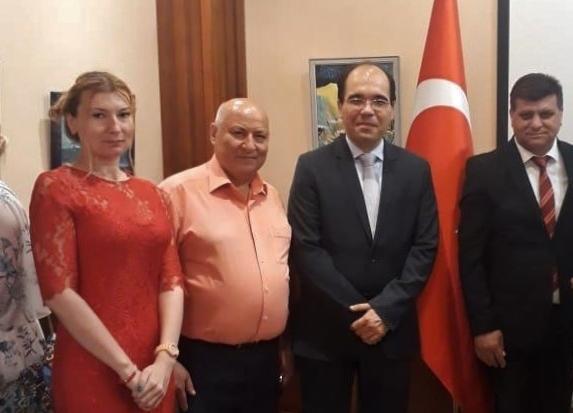 Анапским художникам устроили пышный приём в генеральном консульстве Турции