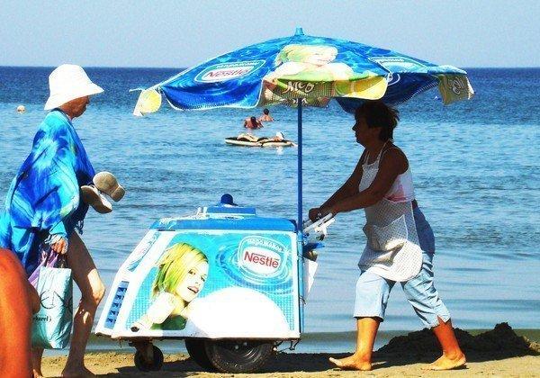 Все торговые точки на пляжах Анапы станут белыми и деревянными