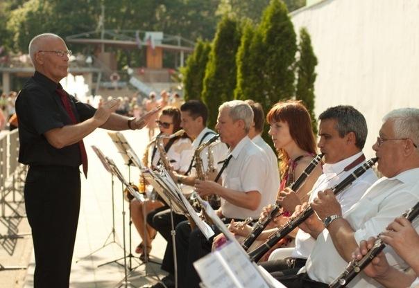 «Люди плачут на наших концертах»: 7 апреля анапский оркестр отметит 45-летний юбилей