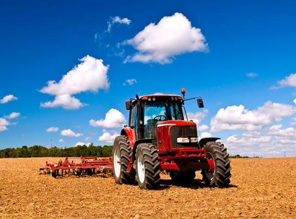 156 тракторов и 2500 тонн селитры понадобится для проведения весенних полевых работ в Анапском районе