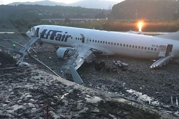 Стало известно из-за чего, совершивший аварийную посадку Boeing проскочил мимо взлетки