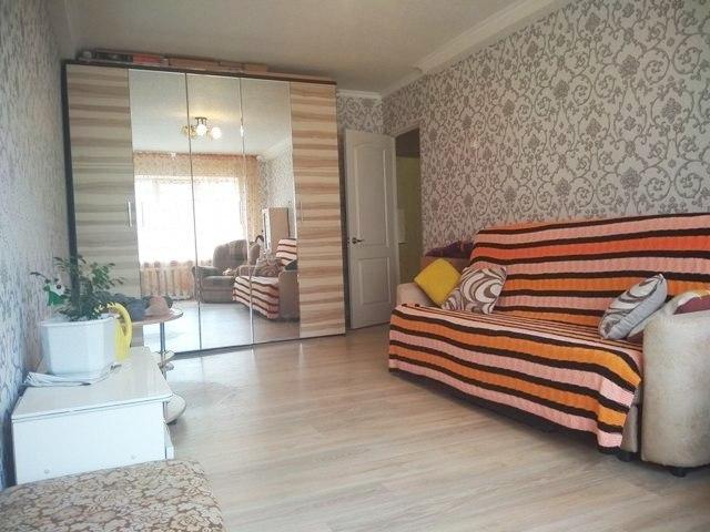 Продам 2-комнатную квартиру в 12 микрорайоне