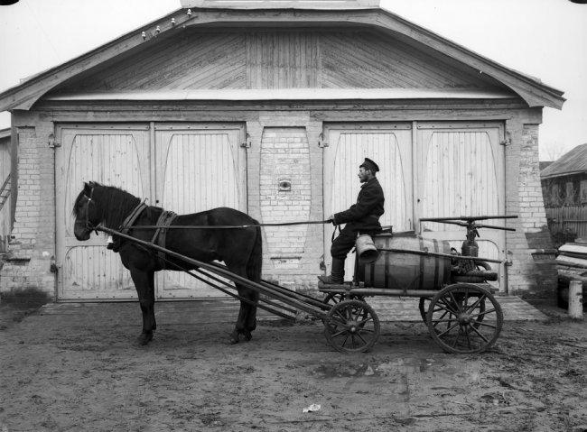История Анапы: в 60-е годы водопровод обслуживали два слесаря и лошадь с бочкой