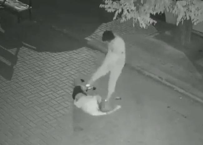 Анапчане интересуются: поймали ли маньяка, жестоко избившего девушку в центре города?