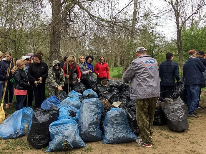 За один день анапчане очистили от мусора более миллиона квадратных метров территории