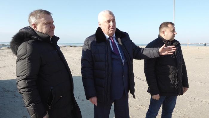 Мэр Анапы оценил состояние пляжей на «тройку с минусом»