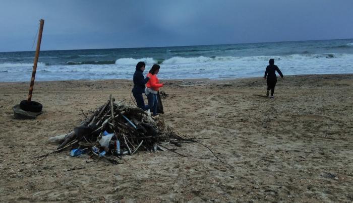С анапских пляжей собрали более 300 кубометров мусора во время Всекубанского субботника