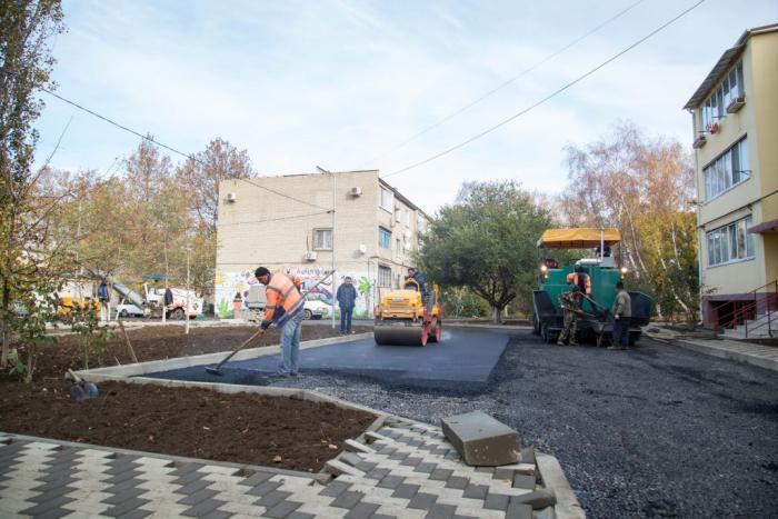 Теперь жители улицы 40 лет Победы в Анапе будут гулять по новым дорожкам