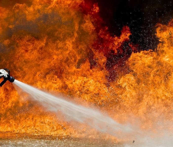 Появилось видео с крупного пожара в с. Витязево под Анапой