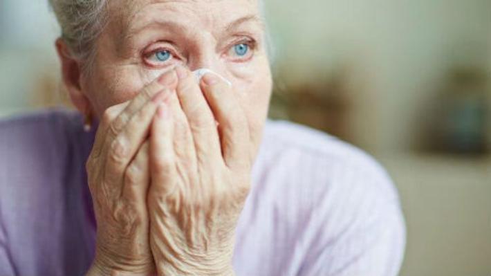 В Анапе грабители довели пенсионерку до слёз