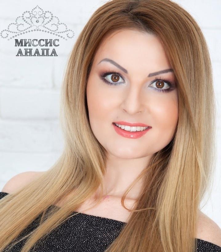 Звание «Миссис Анапа-2018» получила многодетная мать Оксана Салахова