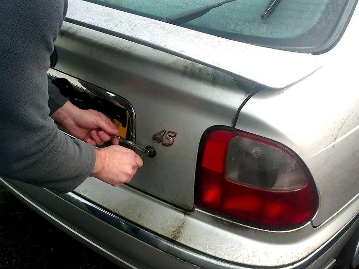 Под Анапой задержали автомобиль с четырьмя трупами в багажнике