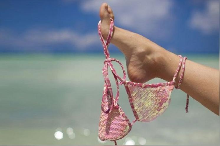 Снимайте купальник, мадам: в Анапе на этом пляже дресс код-ню!