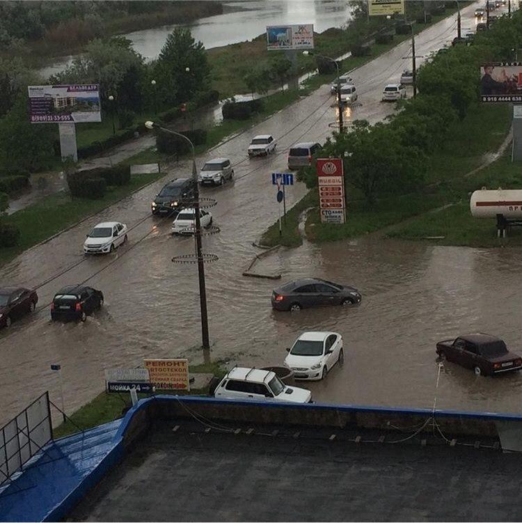 Анапчане публикуют фото, сделанные во время дождя