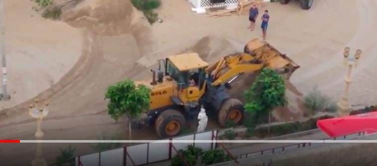 В разгар курортного сезона под окнами отеля в Анапе в 5 часов утра работал бульдозер