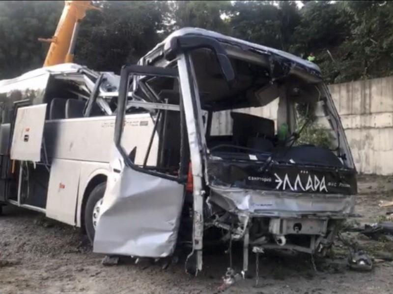 С водителя автобуса из Анапы, который попал в страшное ДТП, сняли обвинение по одной статье