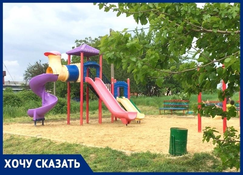 Дети в Воскресенском под Анапой мечтают к 1 июня получить новую площадку