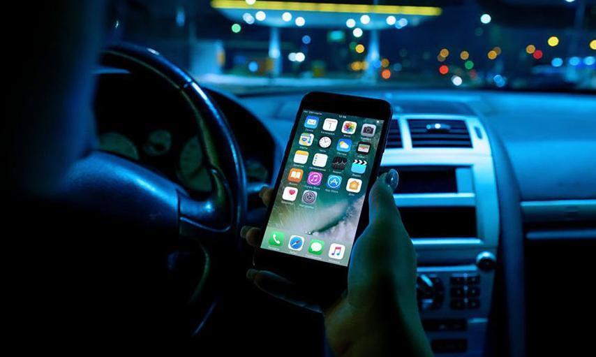 Суровые маршрутчики Анапы не звонят по телефону в дороге, а переписываются в WhatsApp'е
