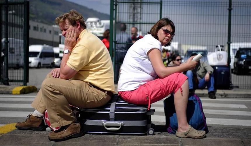 «Езжайте домой!»: анапчанка резко ответила на жалобы туристов об условиях на курорте