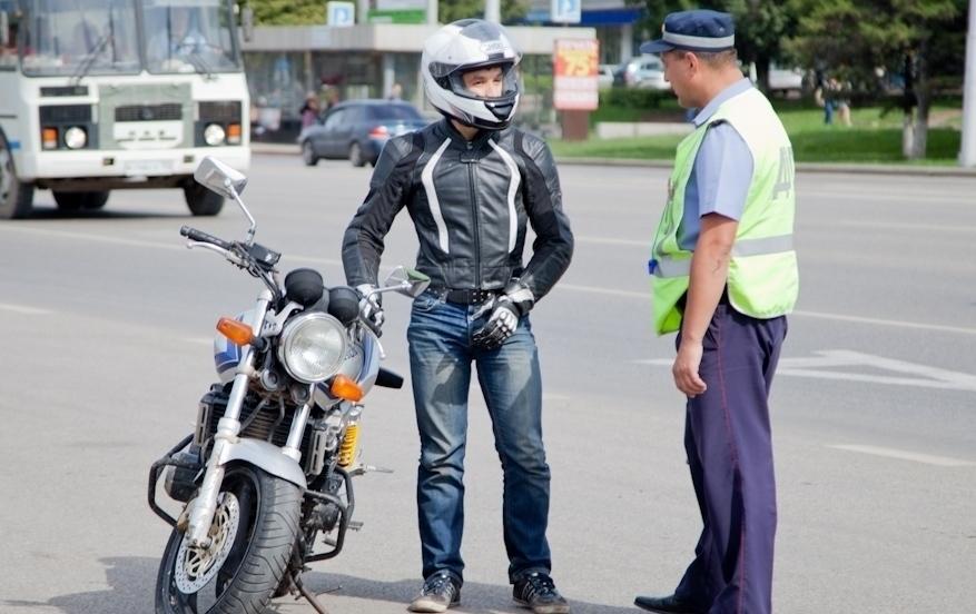 В Анапе к водителям мототранспорта особое внимание инспекторов ДПС
