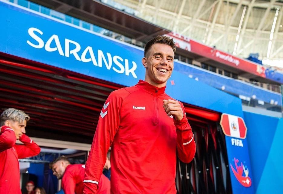 Футболисты сборной Дании сбросились на самолет для игрока, ставшего отцом в Анапе