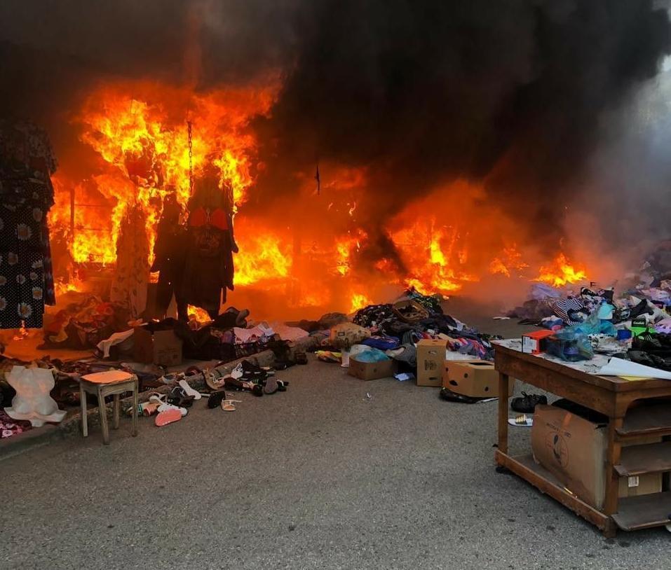 В Геленджике страшный пожар на центральном рынке, а в Анапе - высокая пожароопасность