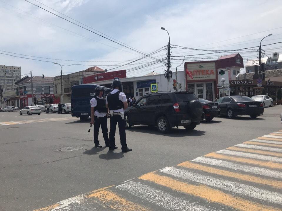 Прямо сейчас в Анапе на центральном автовокзале ищут бомбу